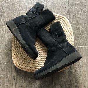 Black ugg wedge boot 8.5